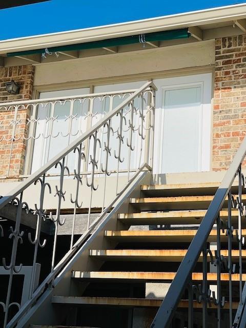 2460-c University Ave Property Photo 1