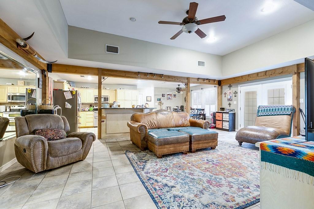 1845 W Fm 2105 Property Photo 10