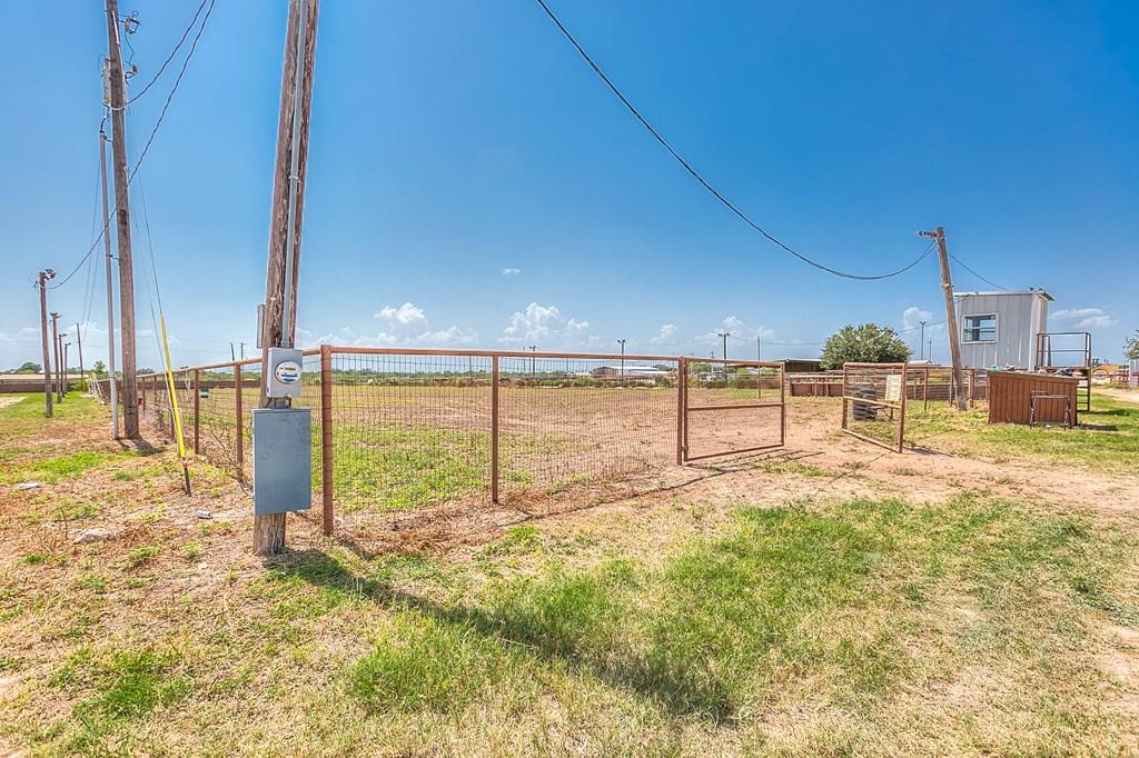 1845 W Fm 2105 Property Photo 38