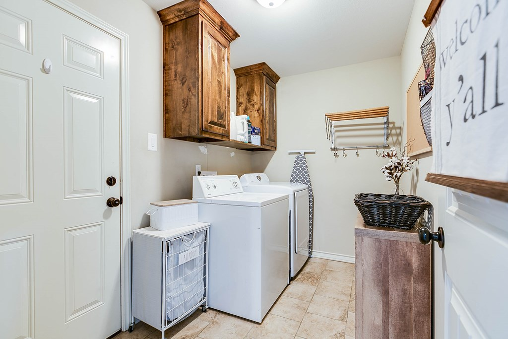 4809 Pinon Ridge Dr Property Photo 23