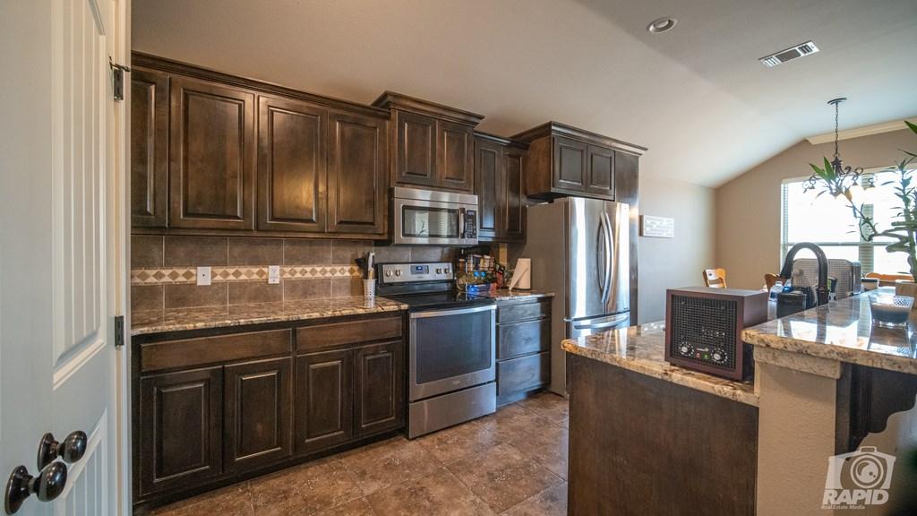 5905 Merrick St Property Photo 7