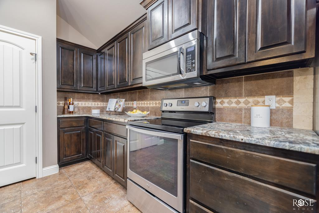 5905 Merrick St Property Photo 12