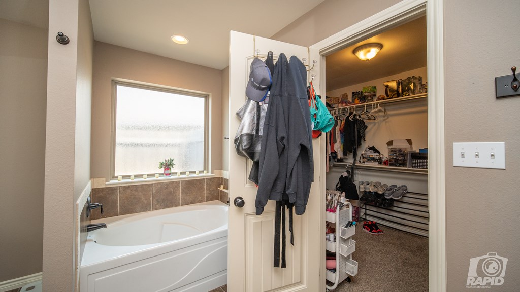 5905 Merrick St Property Photo 13