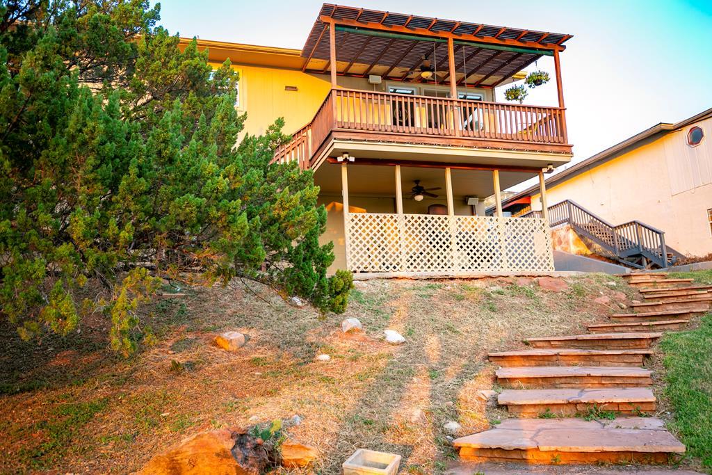 2257 Hillside Dr Property Photo 1
