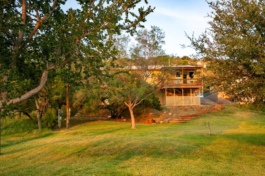 2257 Hillside Dr Property Photo 2