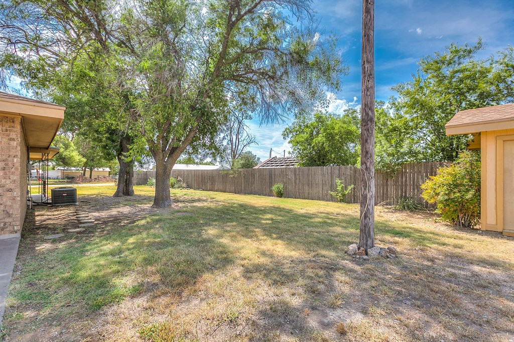 308 Concho Dr Property Picture 15