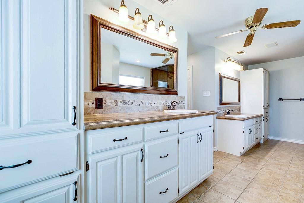 1513 Darlene St Property Photo 13