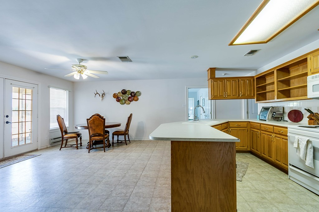 1513 Darlene St Property Photo 24