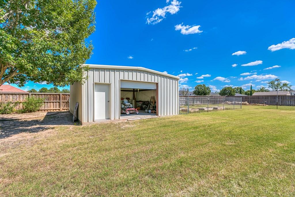 1513 Darlene St Property Photo 49