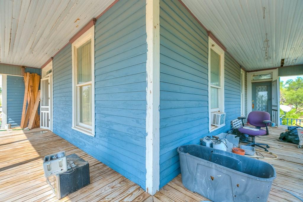 208 N 4th St Property Photo 8