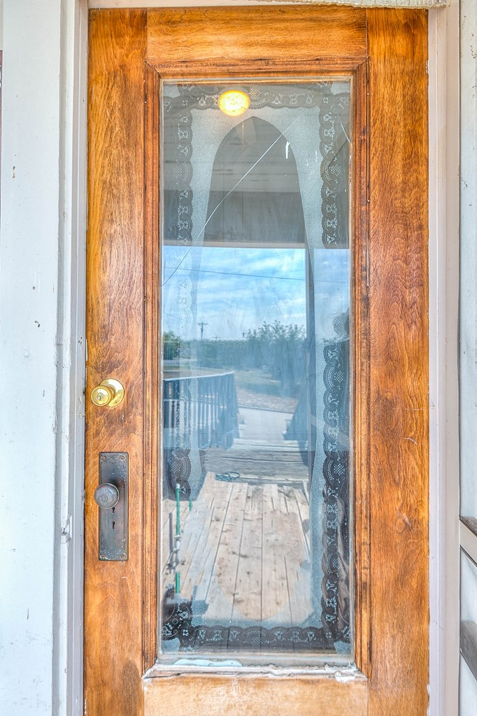 208 N 4th St Property Photo 9