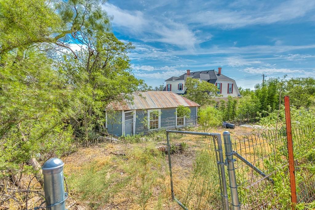 208 N 4th St Property Photo 23