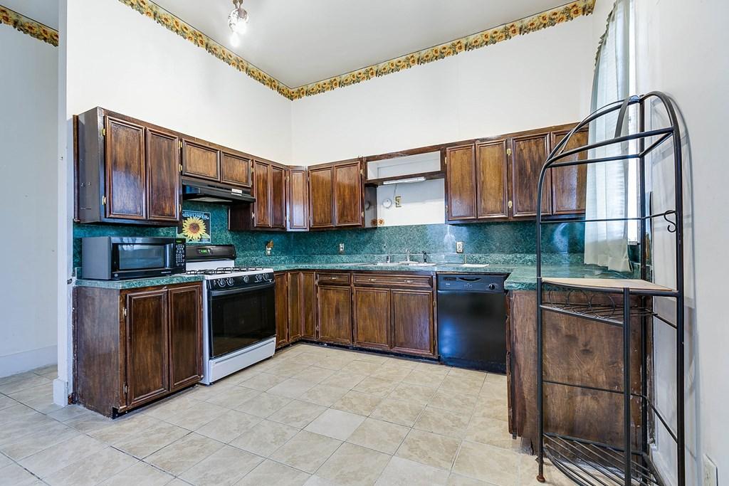 208 N 4th St Property Photo 35