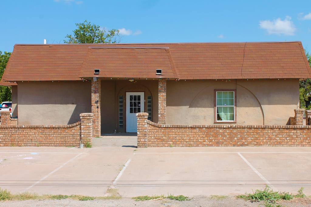 1700 N 8th St Property Photo 1