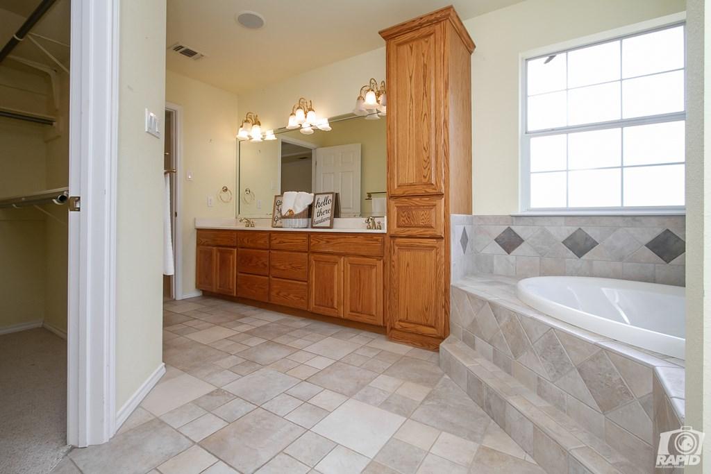 503 Black Bear Lane Property Photo 11