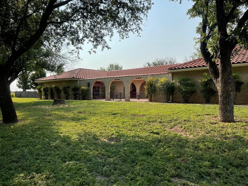 8133 W Grape Creek Rd Property Photo 1