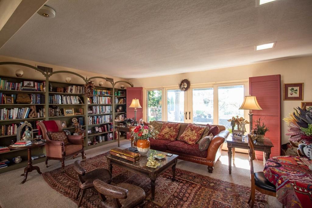 2 Princeton Ave Property Photo 13