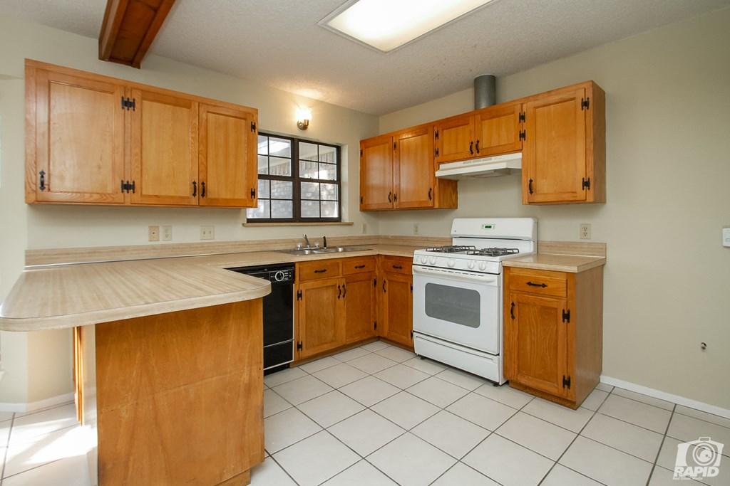 1618 Idaho Ave Property Photo 4