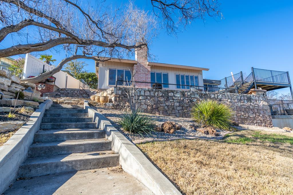 2950 Red Bluff Circle Property Photo 1