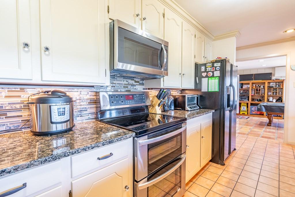 2950 Red Bluff Circle Property Photo 6