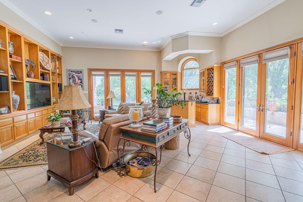 1100 Dorrance Rd Property Photo 6