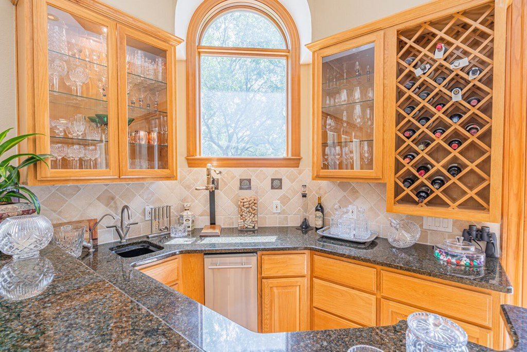1100 Dorrance Rd Property Photo 7