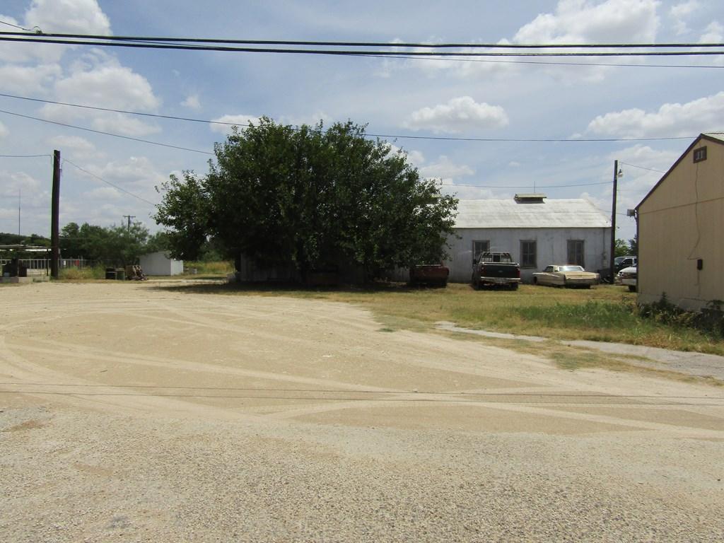 602 N Crockett Ave Property Photo