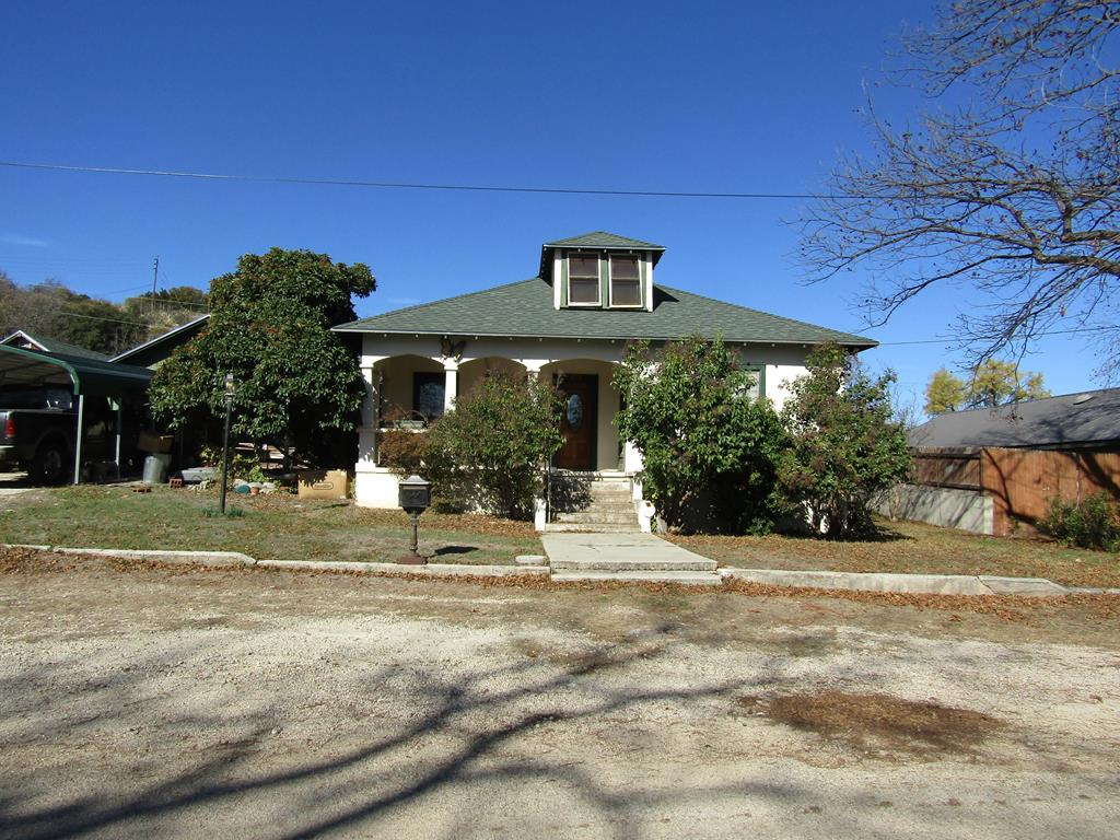 609 E Poplar Property Photo 1