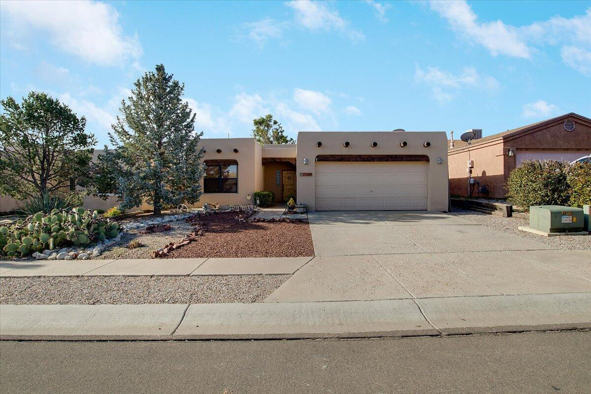 7508 Cerros Place Nw Property Photo 1
