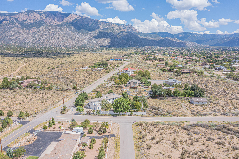 11200 Elena Drive Ne Property Photo 17
