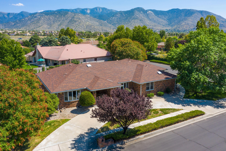 5800 Royal Oak Drive Ne Property Photo