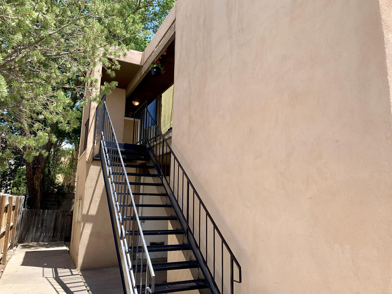 3516 Lafayette Drive Ne Property Photo