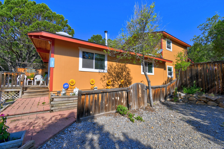 106 Nightingale Lane Property Photo 1