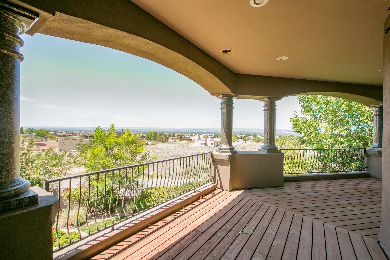 8340 Beverly Hills Avenue Ne Property Photo 8