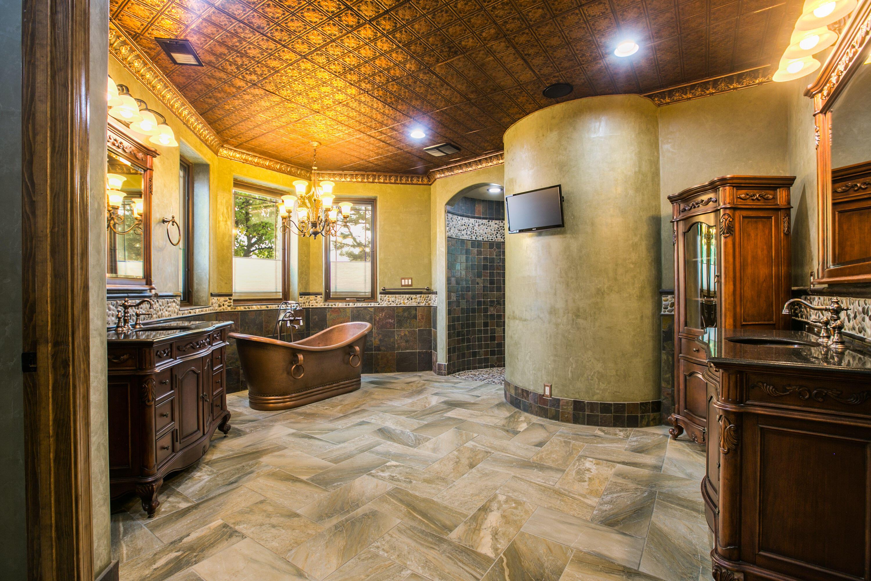 8340 Beverly Hills Avenue Ne Property Photo 40
