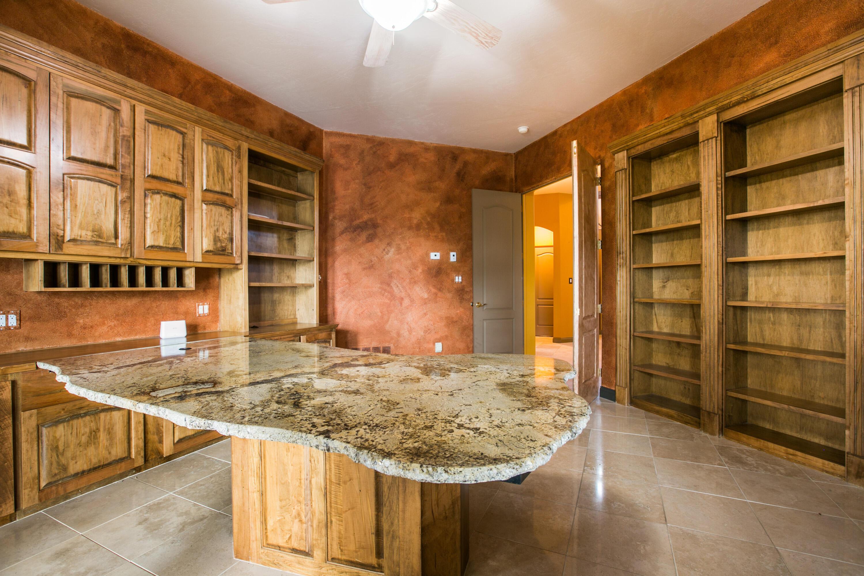 8340 Beverly Hills Avenue Ne Property Photo 48