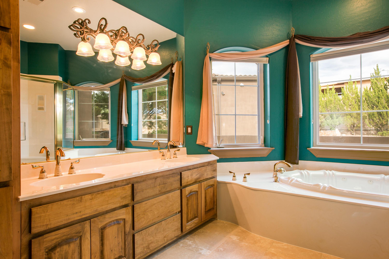 8340 Beverly Hills Avenue Ne Property Photo 53