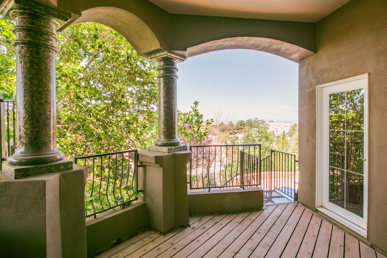 8340 Beverly Hills Ne Avenue Property Photo 9