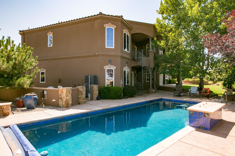 8340 Beverly Hills Ne Avenue Property Photo 12