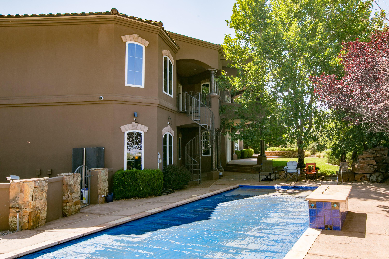8340 Beverly Hills Ne Avenue Property Photo 17