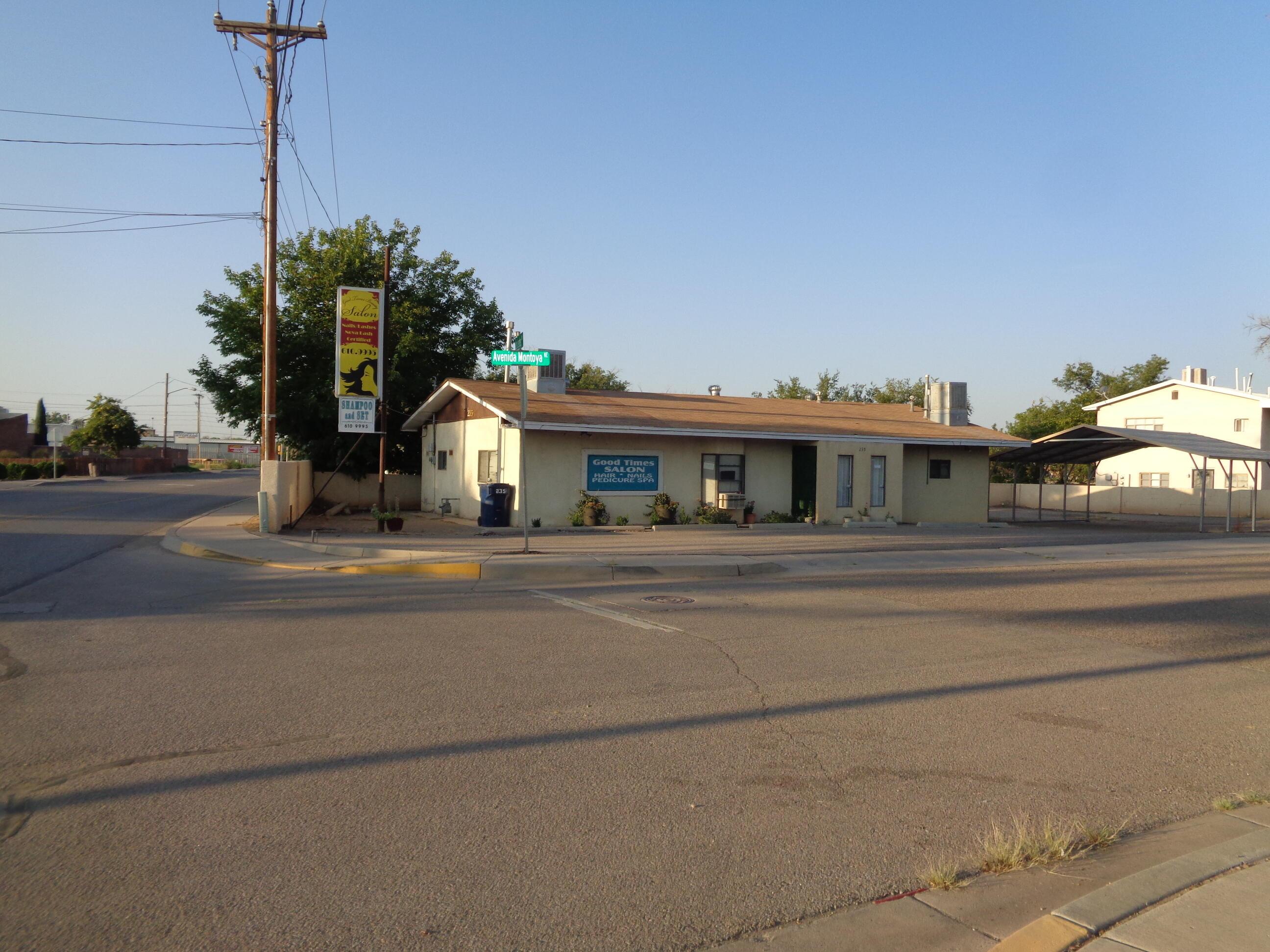 235 Los Lentes Road Ne Property Photo