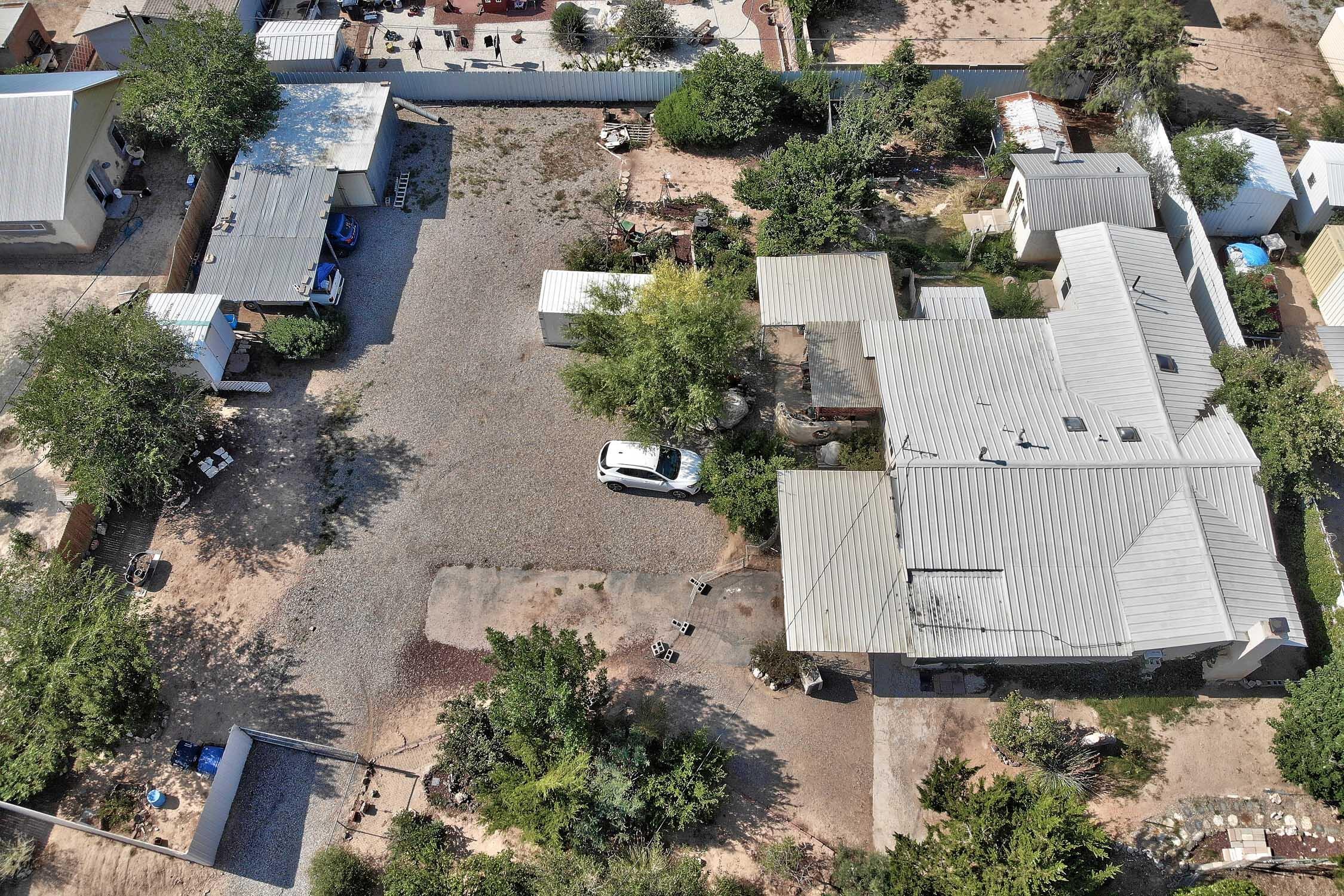 608 Phoenix Avenue Nw Property Photo