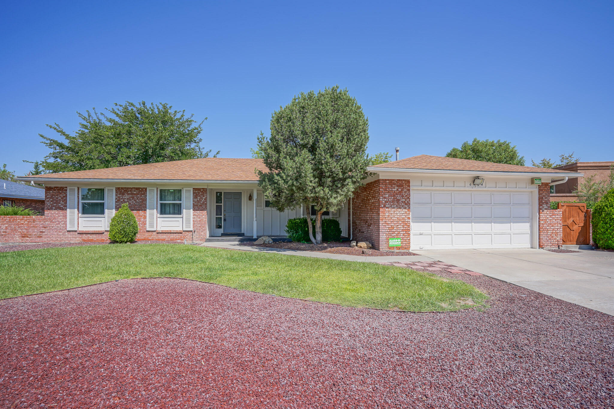 6404 Torreon Drive Ne Property Photo
