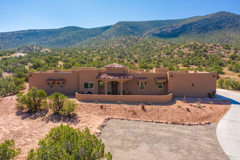 2 Valle Tranquillo Property Photo 1