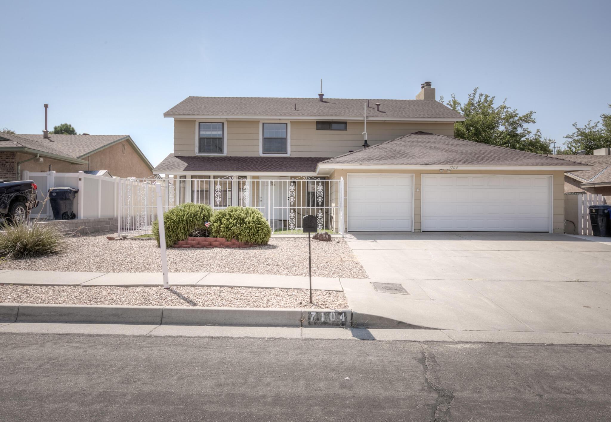 7104 Vivian Drive Ne Property Photo 1