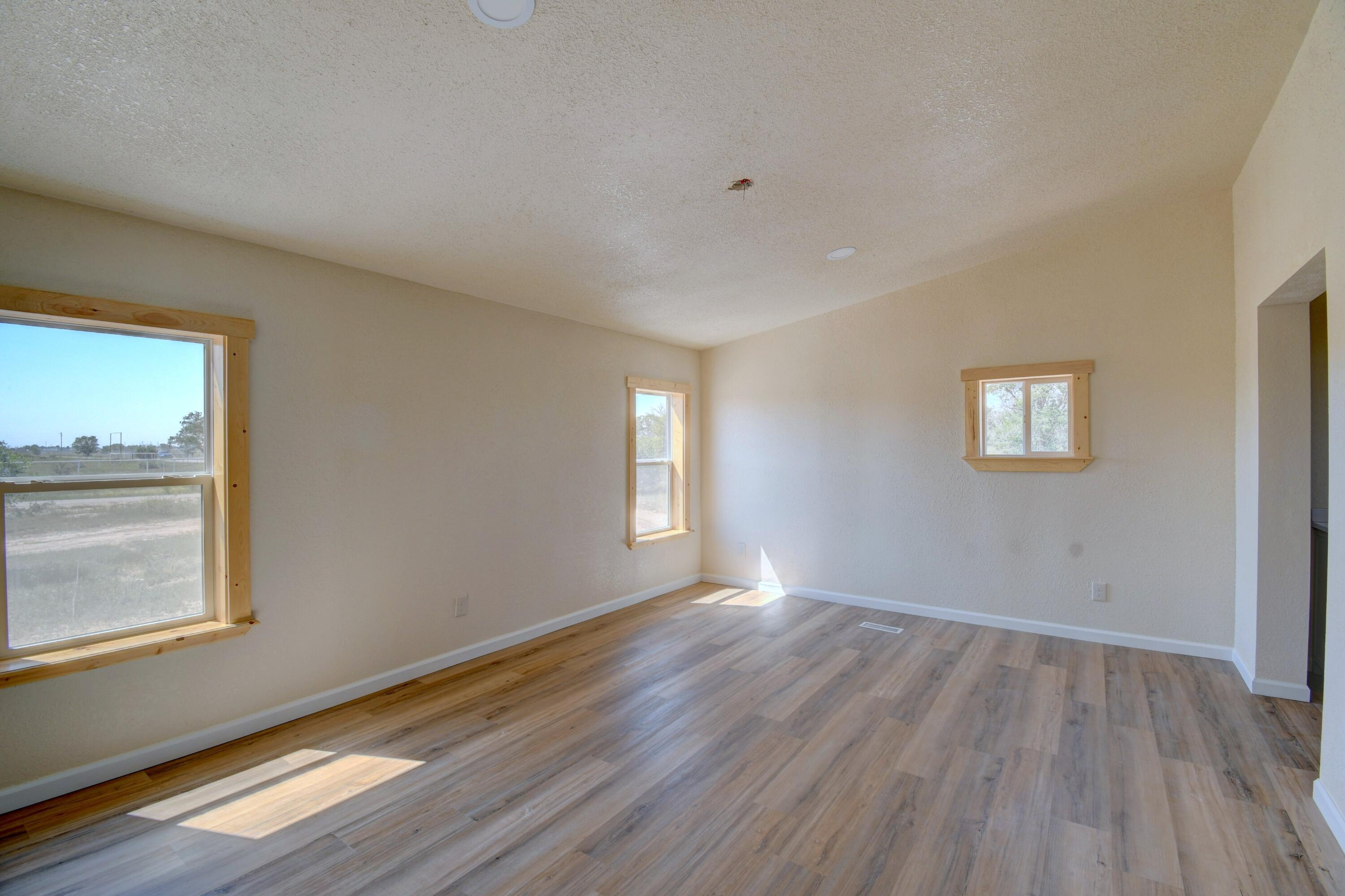 20 Meadow Road Property Photo 10
