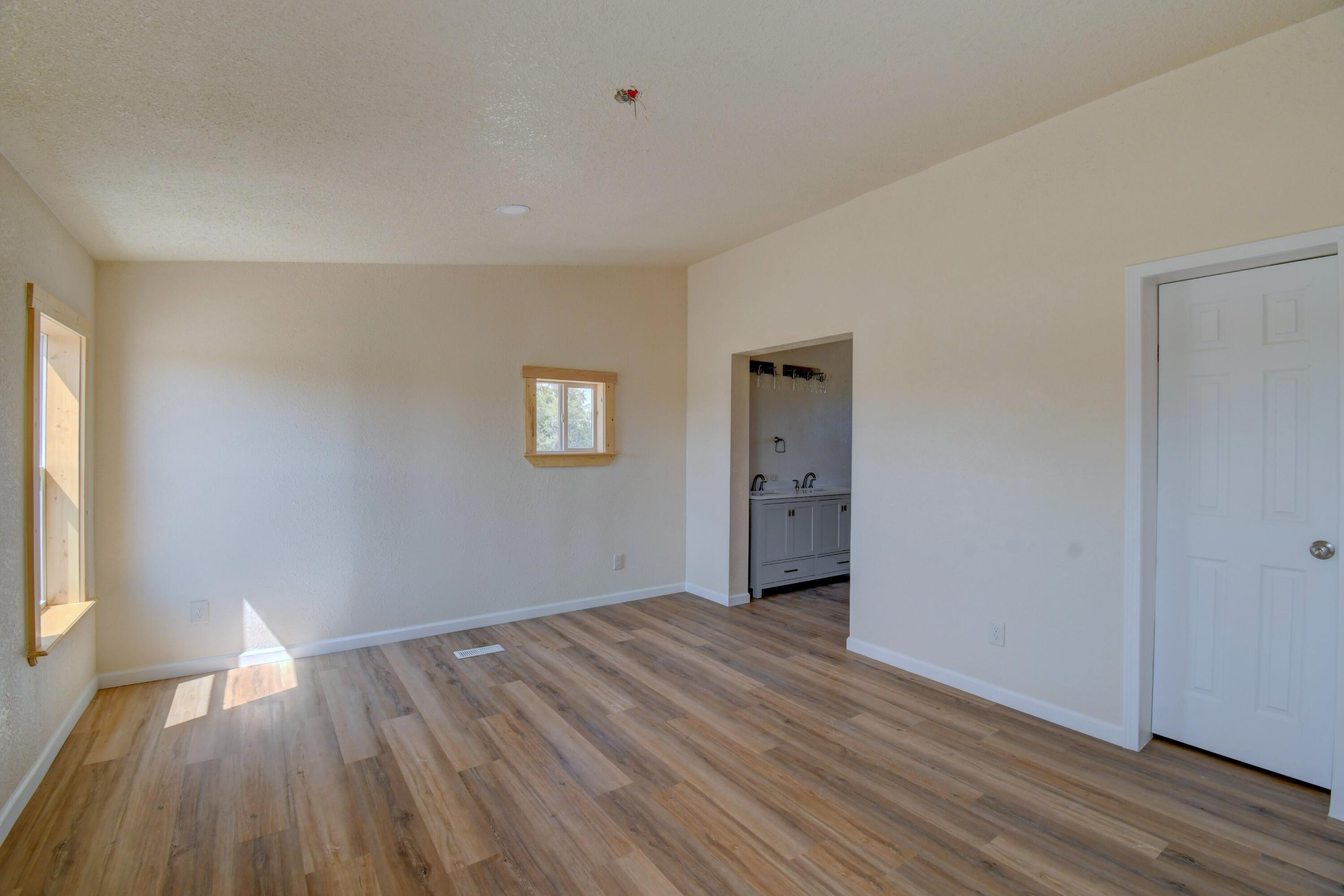 20 Meadow Road Property Photo 11