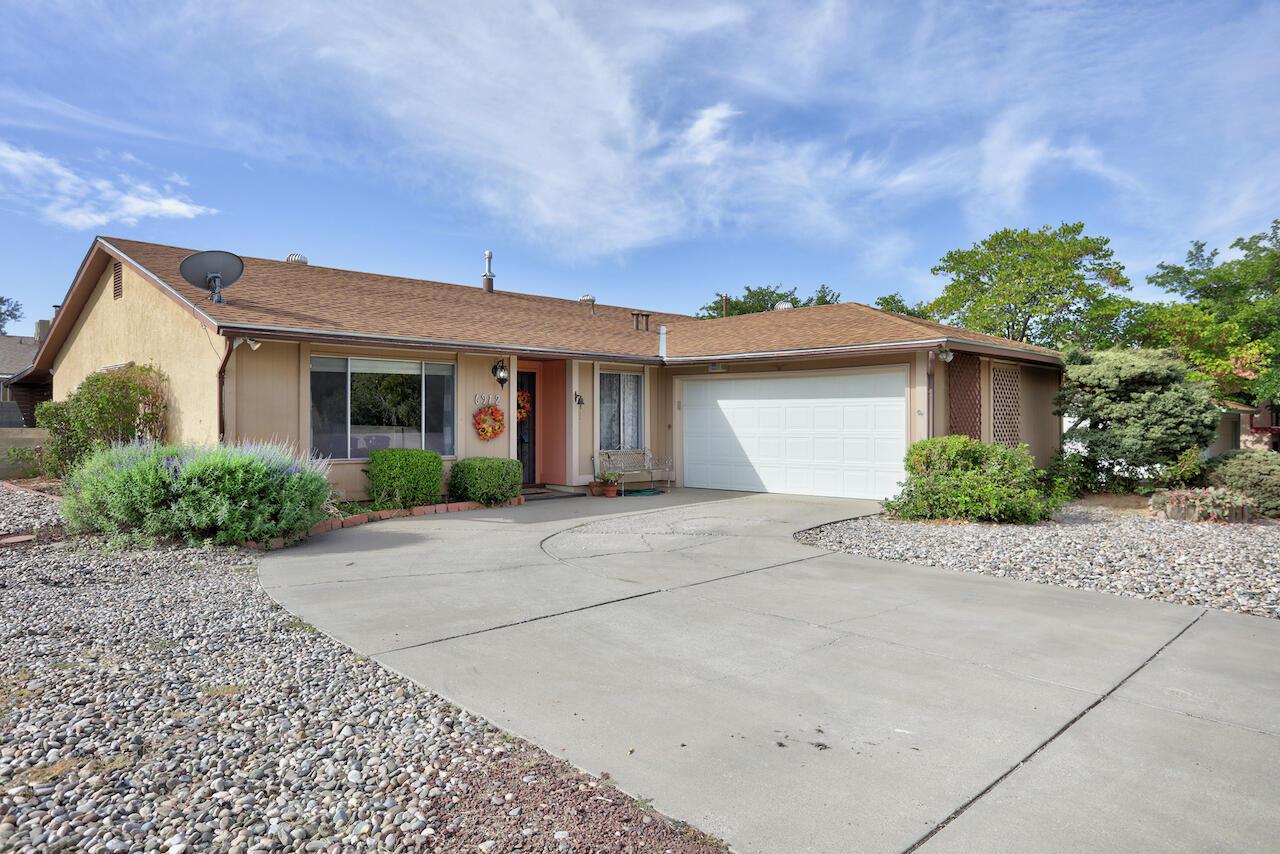 6912 Luella Anne Drive Ne Property Photo