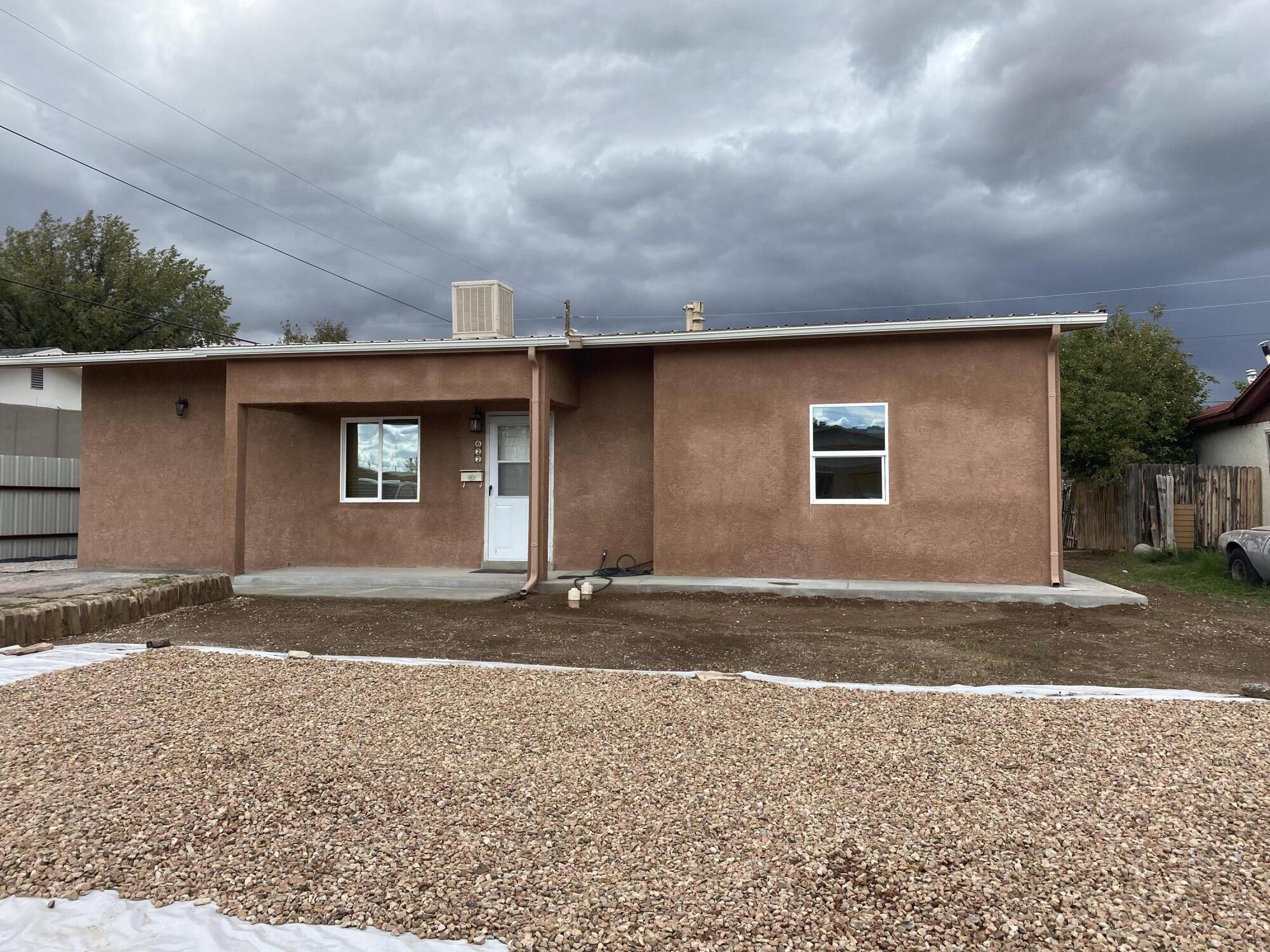 622 E Stephens Avenue Property Photo