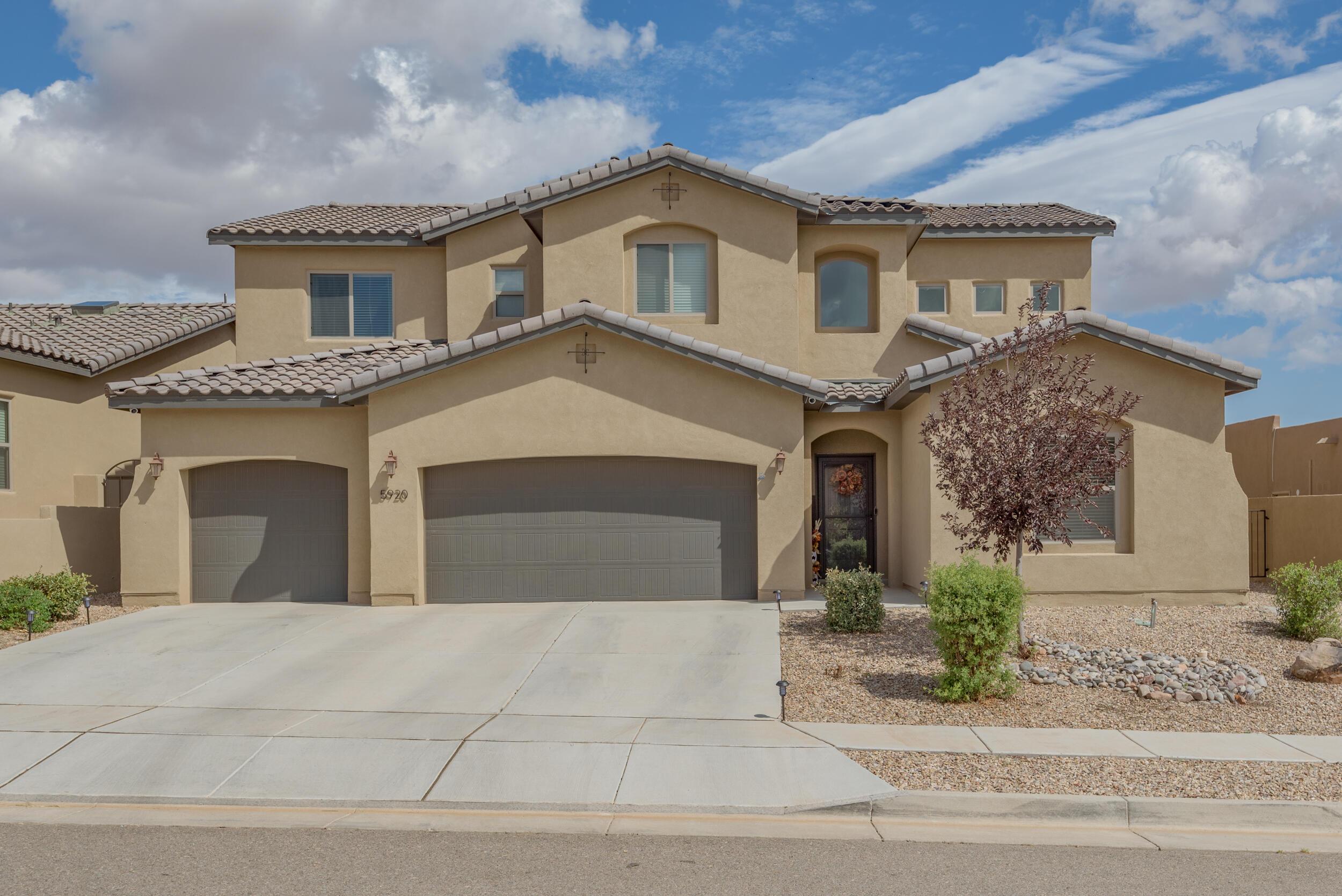 5920 S SANDIA Loop NE Property Photo 1